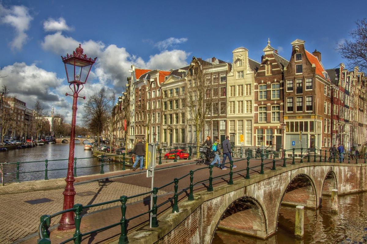 荷蘭住宿|阿姆斯特丹推薦住宿,地點方便住宿區域整理